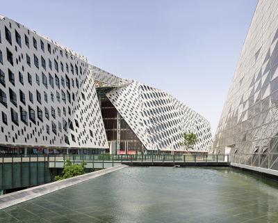 DE LA PRIMAUTÉ DU CONTEXTE À SA (TRANS)FORMATION Une conférence de Roueïda Ayache – Architecture-Studio